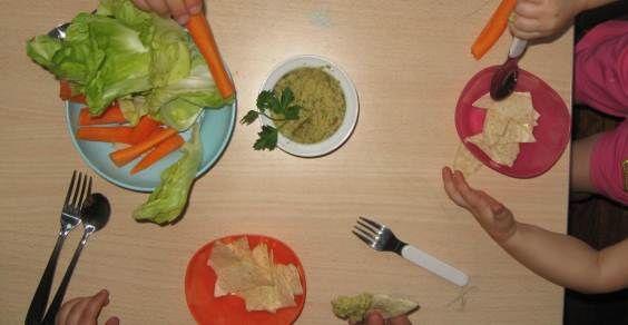 verdure-bambini-hummus