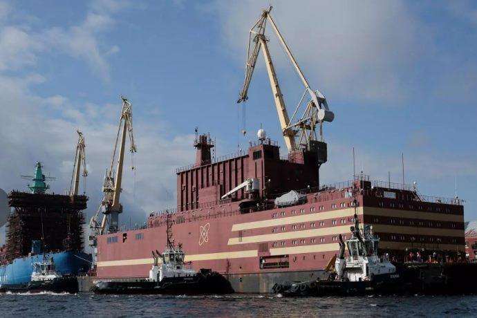 reattore nucleare galleggiante russia