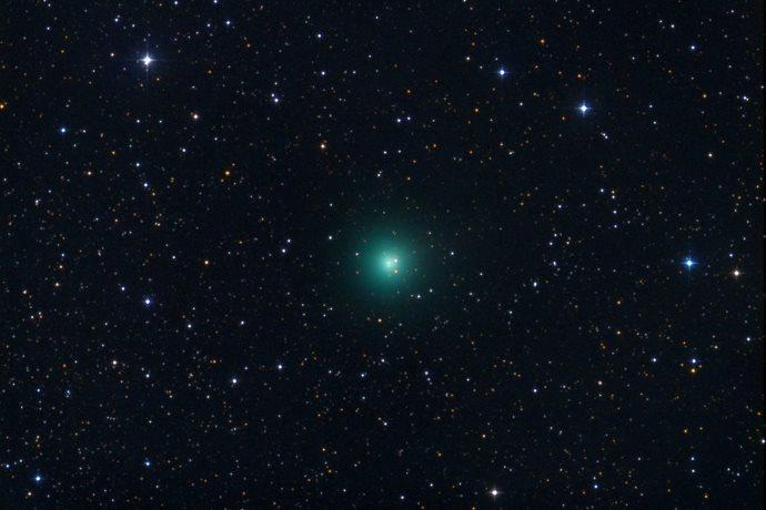 cometa verde esplosione in cielo