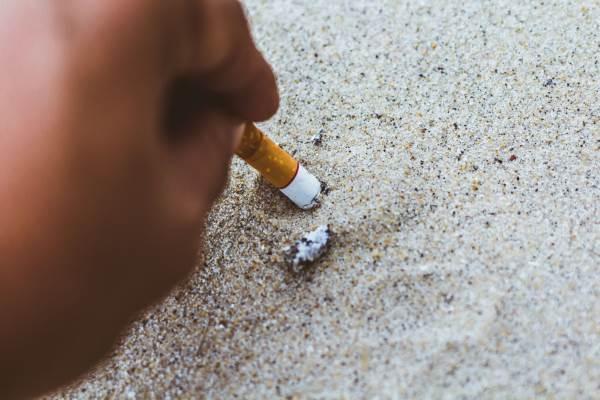 sigarette spiaggia1