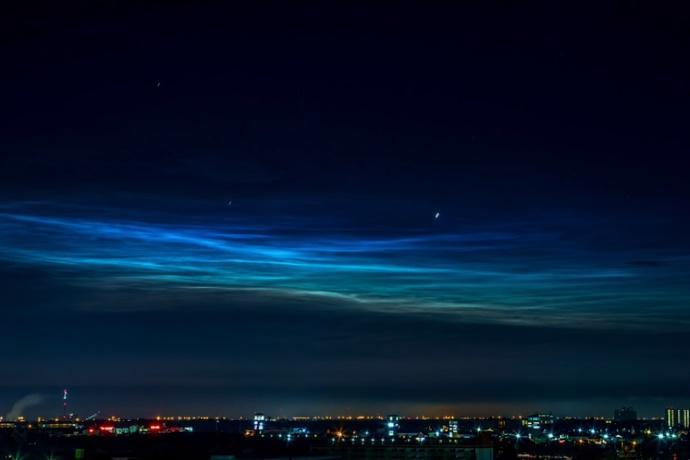 nuvole blu elettrico nasa immagini