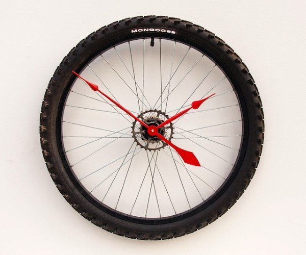 orologio riciclo ruota