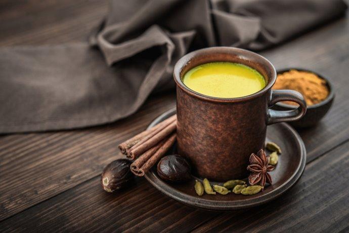 golden-milk latte oro