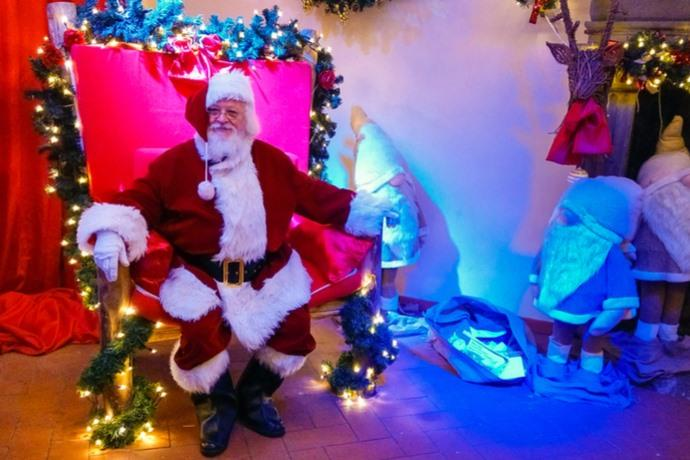 Villaggio Di Babbo Natale Italia.I Villaggi Di Babbo Natale Piu Belli Di Italia Regione Per