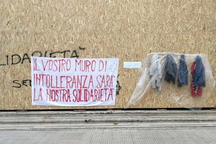 muro della gentilezza Latina