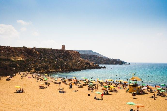 spiaggia malta golden bay 2