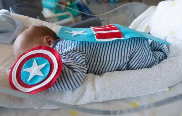 neonati supereroi1