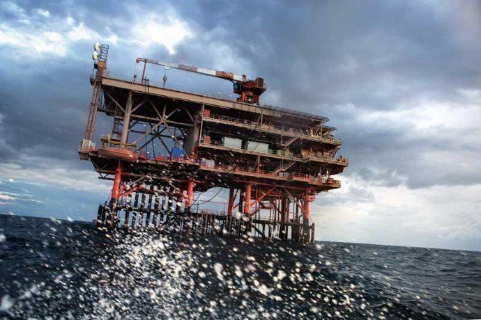 incidente piattaforma petrolifera