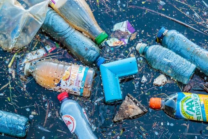 plastica mare1