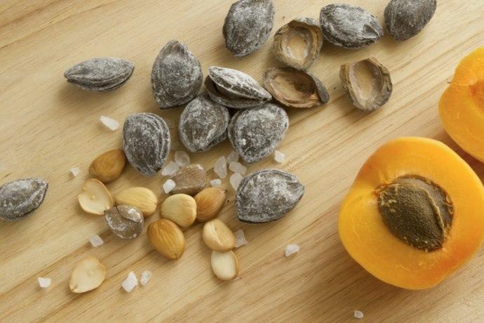 semi albicocca