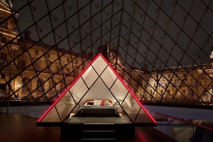 dormire al Louvre