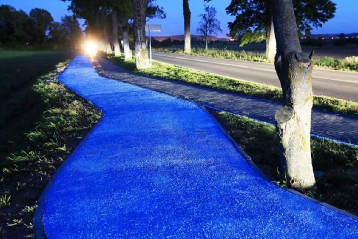 pista ciclabile luminescente pavia