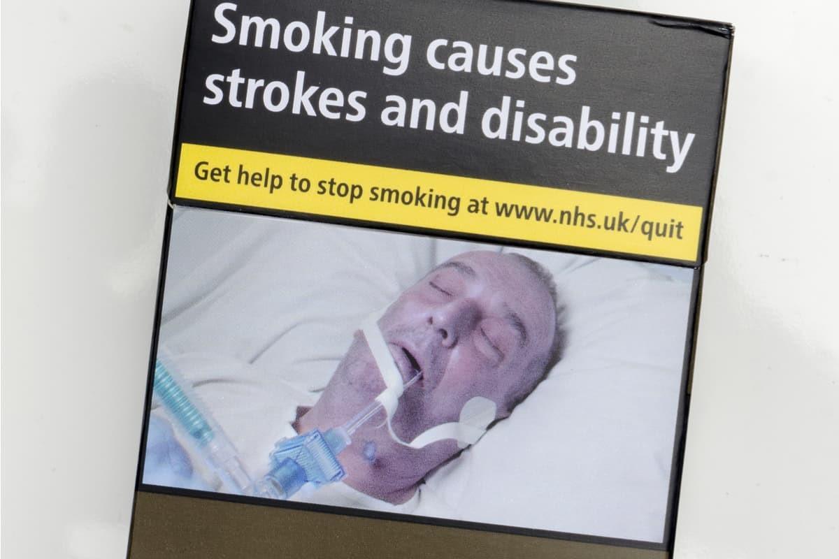 immagini choc pacchetti sigarette studio