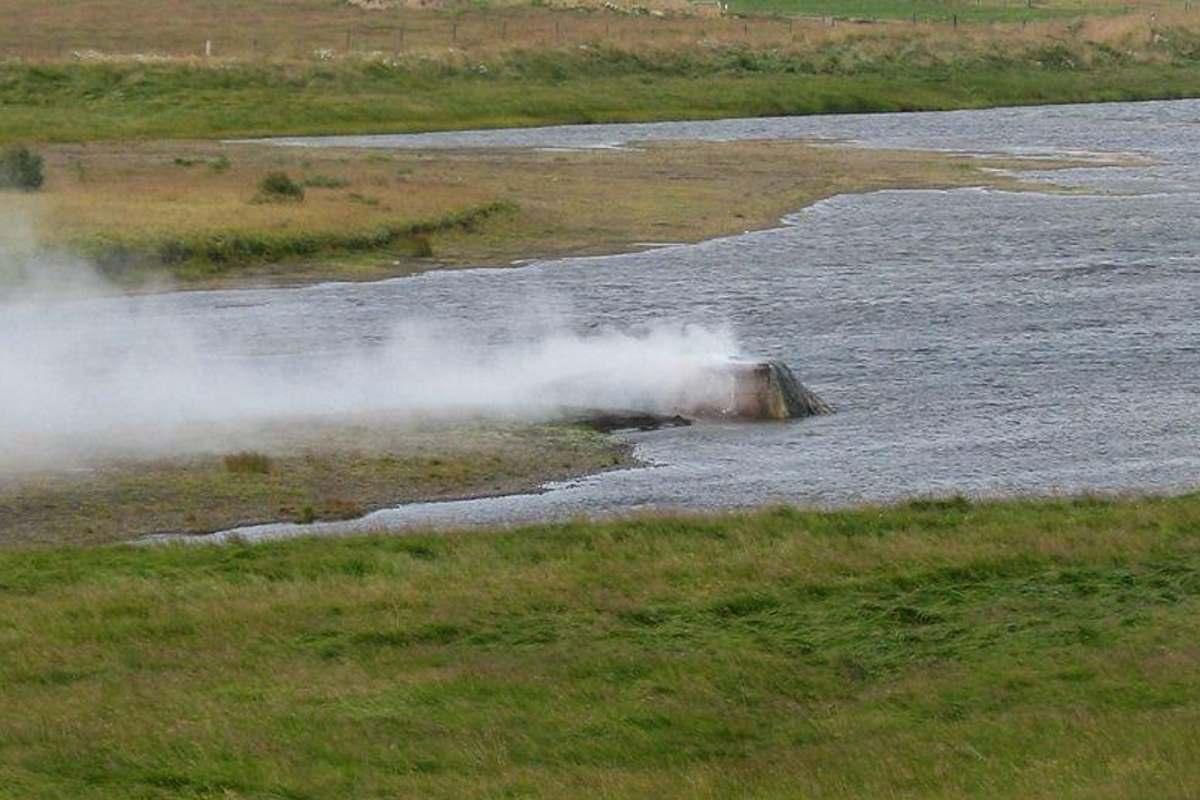 vellir-geyser-.islanda