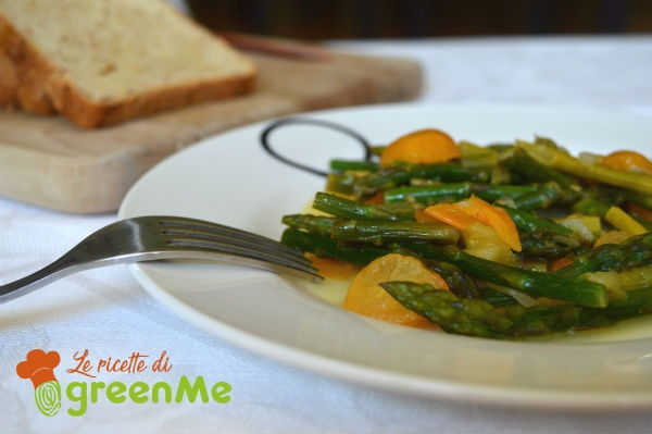asparagi in padella pomodorini