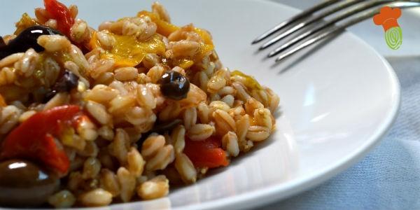 insalata di farro e peperoni