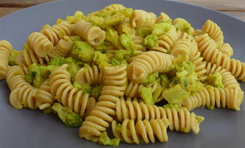 pasta cavolo verde curcuma