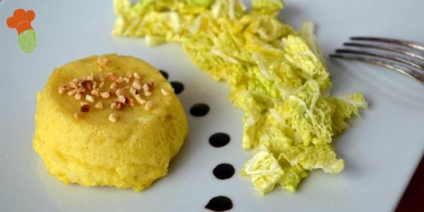 tortino di patate con insalata di verza
