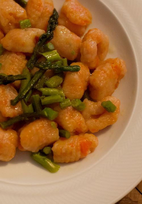 gnocchi di carote asparagi