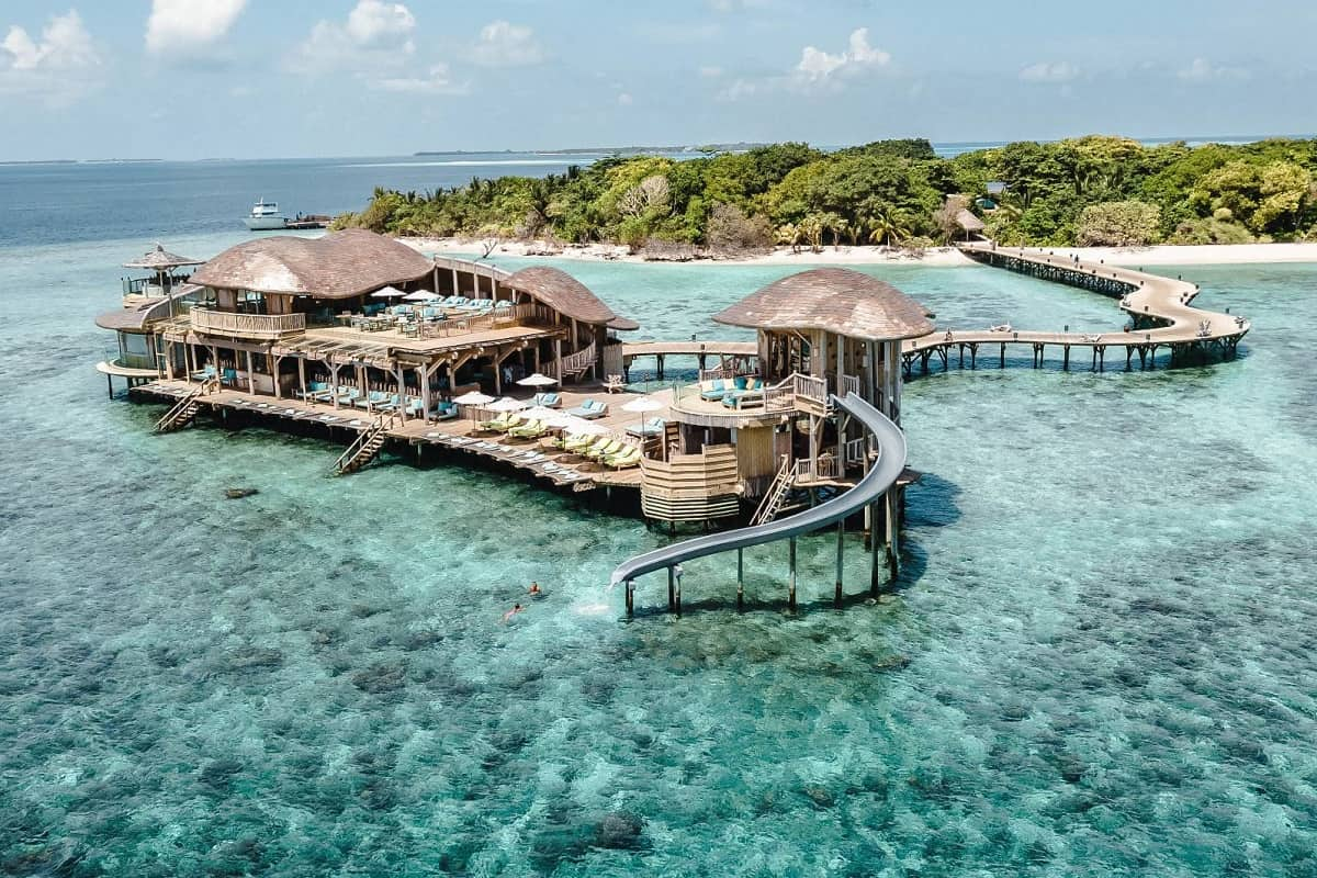 Cercasi libraio alle Maldive