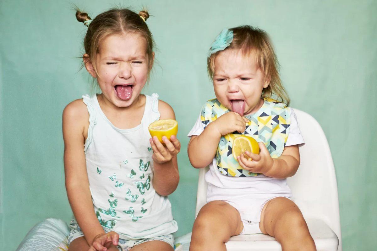 mangiare-limoni-smorfie-vitamina-c