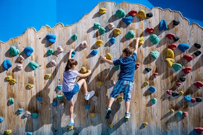 parete-arrampicata-parco
