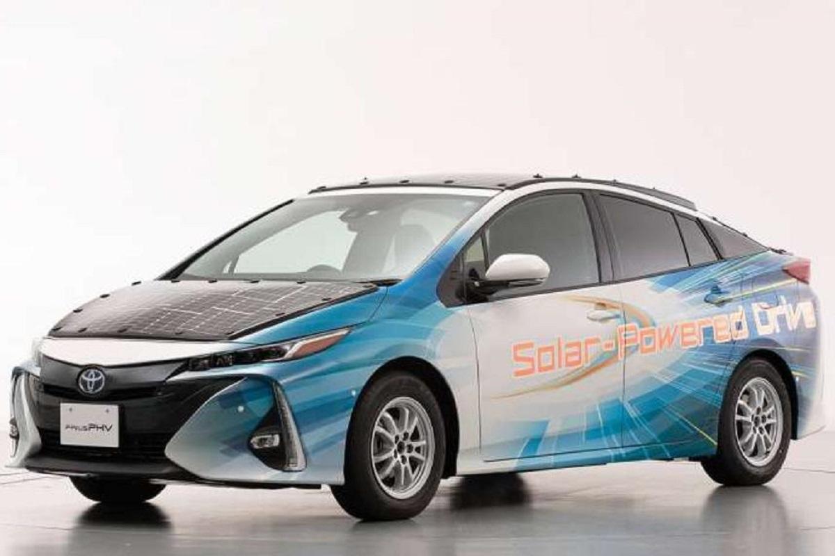 La nuova auto solare della Toyota