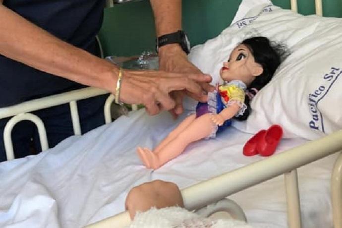 Ospedale cura bambini e peluche