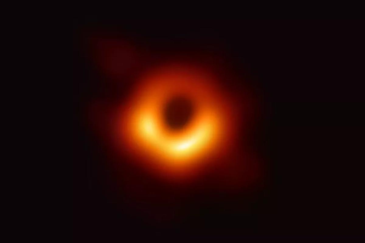 buco nero immagine