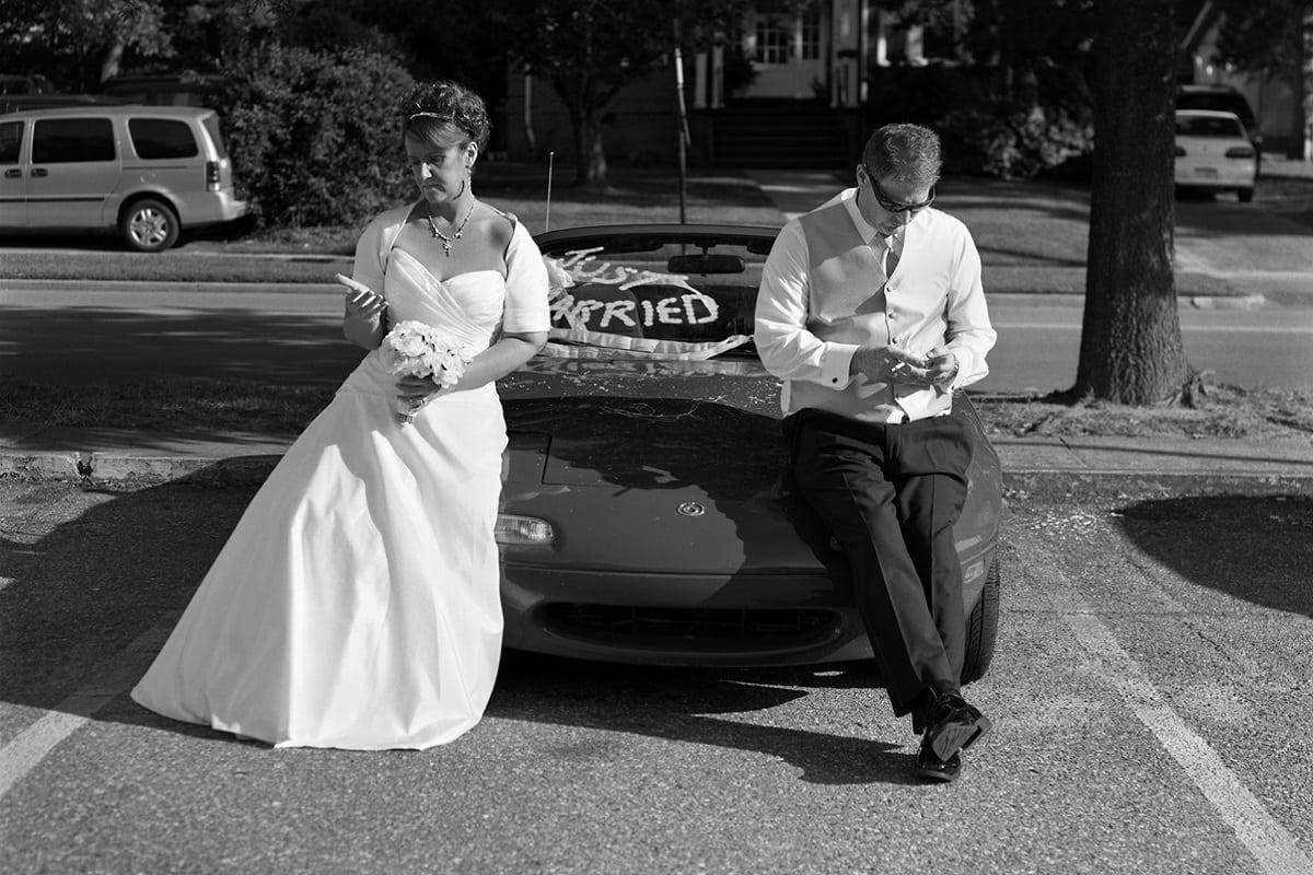 Sposi senza smartphone, la serie Removed