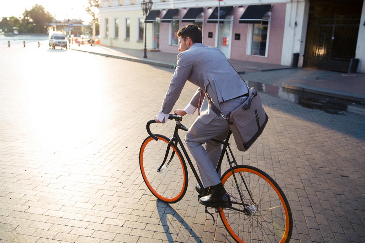 Uomo in bici