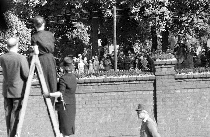 muro-berlino-funerale