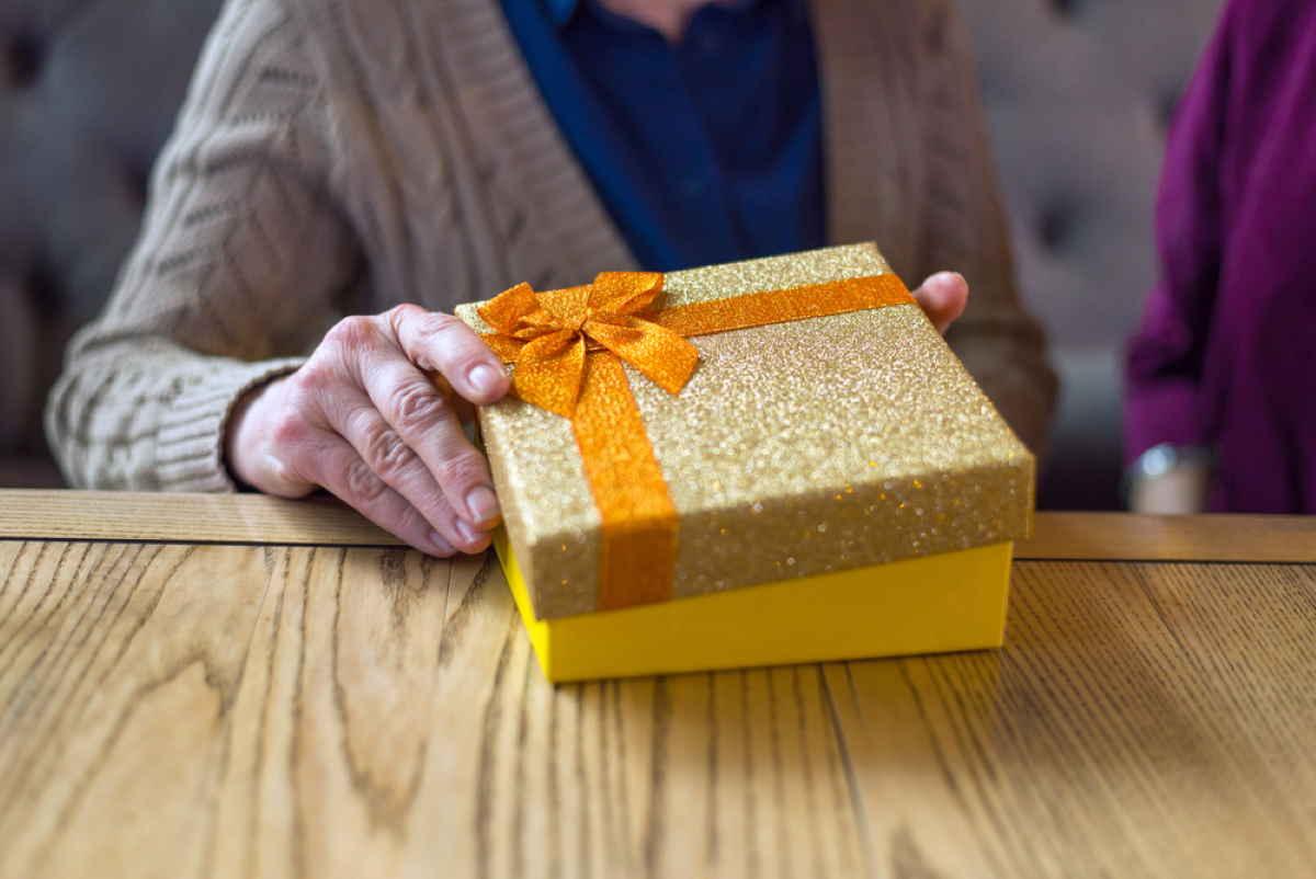 regalo anziani