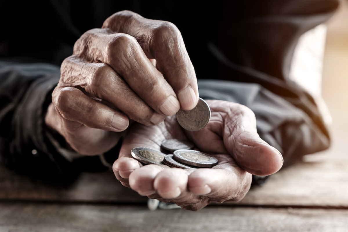 anziano soldi