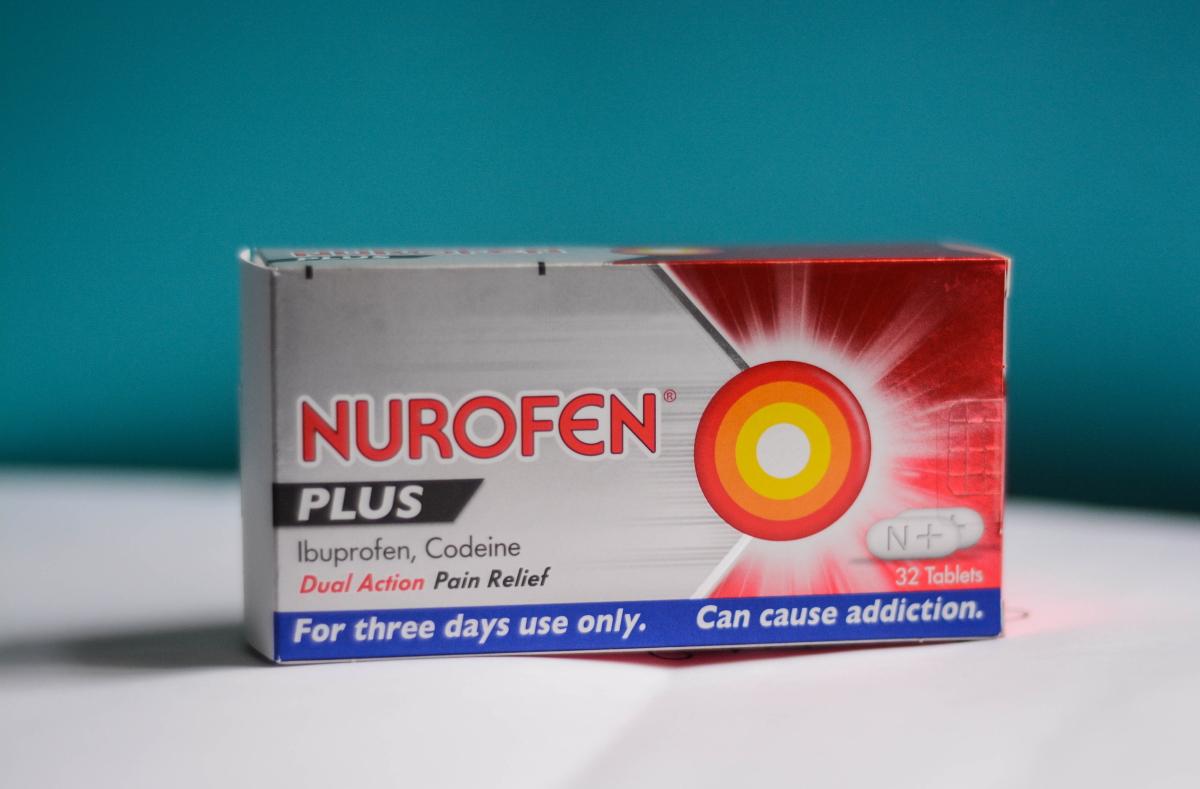 Coronavirus Ibuprofene Cortisone E Antinfiammatori Peggiorano L Infezione L Appello Del Ministro Francese Greenme