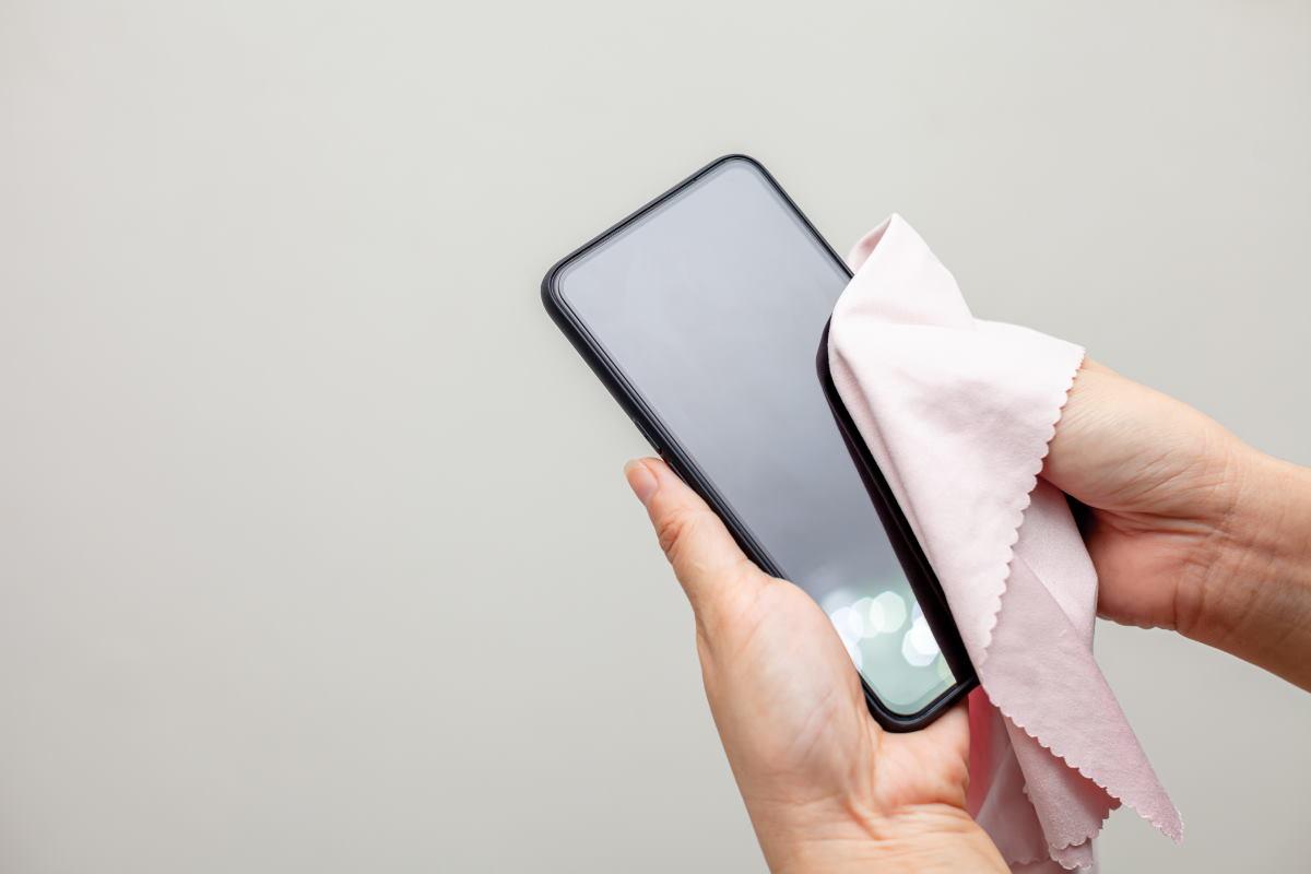 pulire smartphone