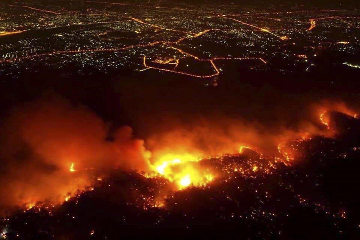 In piena emergenza coronavirus, la Thailandia sta combattendo anche contro incendi boschivi senza precedenti