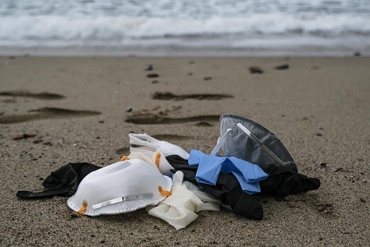 guanti-mascherine-spiaggia