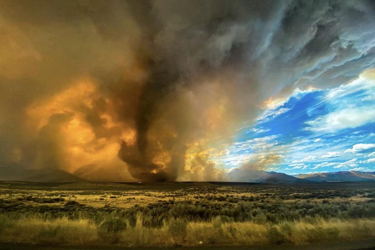 Tornado di fuoco California