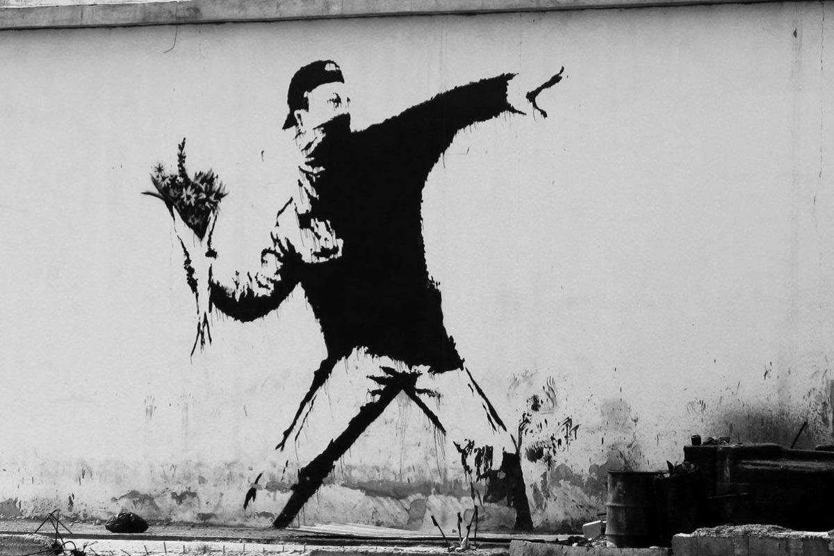 bansky uomo fiori