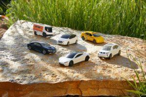 Mattel Matchbox Tesla Roadster (1)