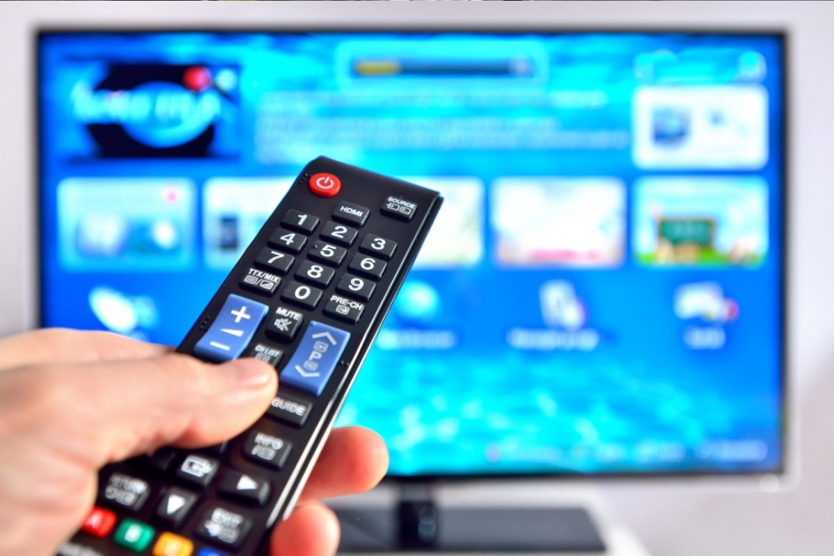 televisore telecomando