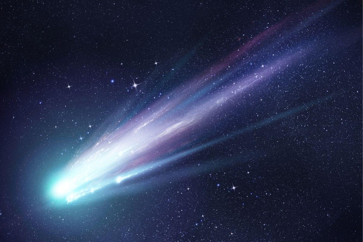 cometa in avvicinamento